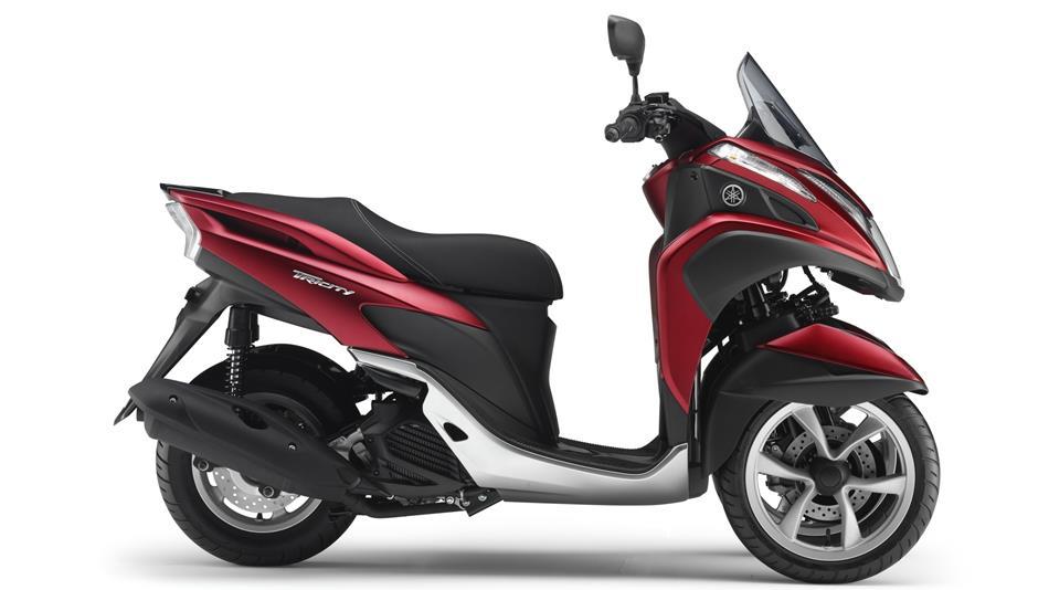 2015-Yamaha-Tricity-EU-Anodized-Red-Studio-002